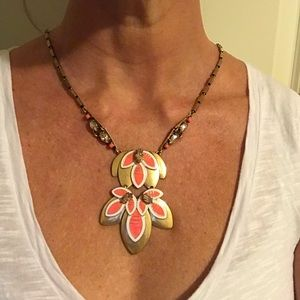 Stella & Dot - Hibiscus Pendant Necklace